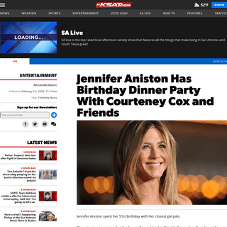 Jennifer Aniston Has Birthday Dinner Party With Courteney Cox and Friends