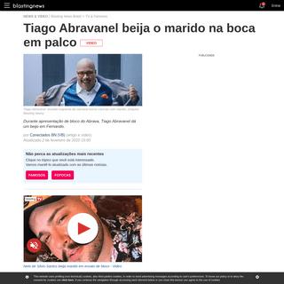 Tiago Abravanel beija o marido na boca em palco