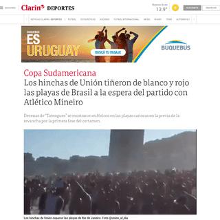 Los hinchas de Unión tiñeron de blanco y rojo las playas de Brasil a la espera del partido con Atlético Mineiro - Clarín
